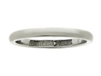 Platinum wedding ring by Dreicer & Co, American, circa 1919.