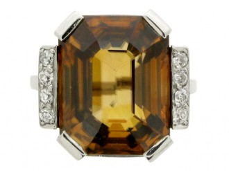 front view Art Deco golden zircon and diamond ring, circa 1935.