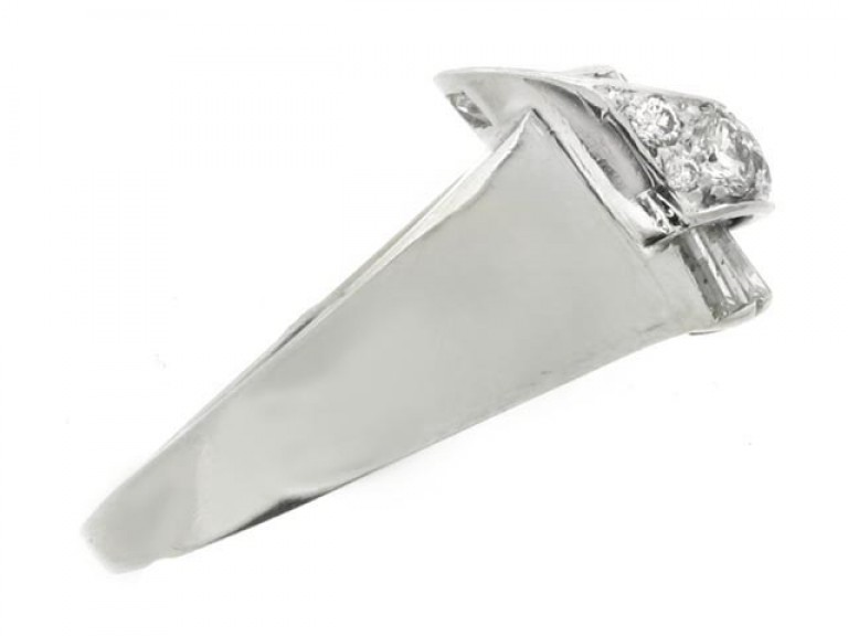 Diamond cocktail ring by Drayson, English, circa 1945.