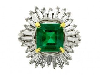 front view boucheron emerald diamond ring hatton garden berganza
