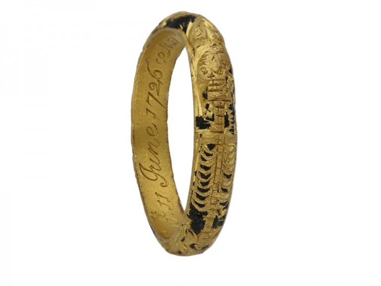 Gold black enamel mourning ring berganza hatton garden