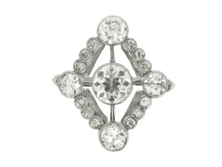 front veiw Diamond cluster ring, circa 1920.