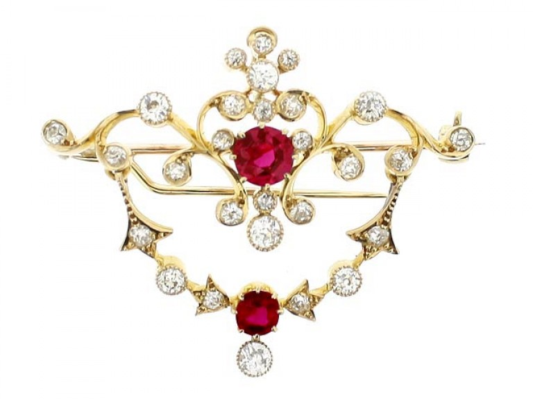 front view Antique ruby and diamond pendant / brooch,