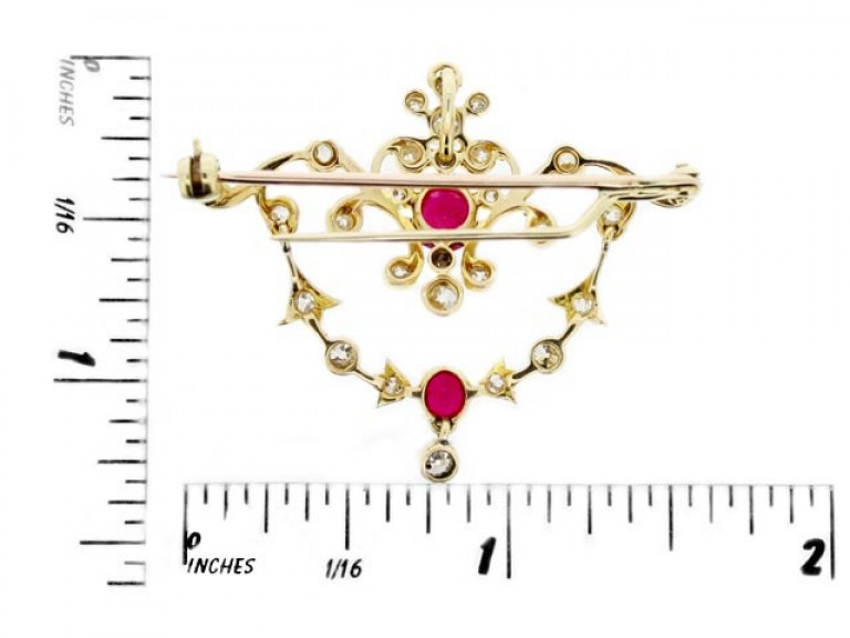 size view Antique ruby and diamond pendant / brooch,