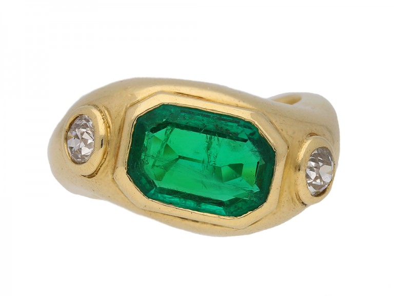 front Boucheron emerald diamond ring berganza hatton garden