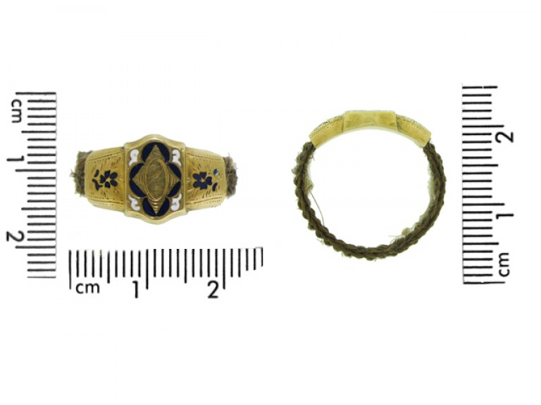 size view Georgian hair ring, circa 1800.