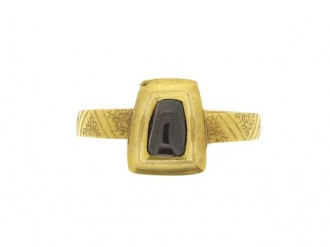 front view Medieval amethyst cabochon ring, circa 14th   15th century.