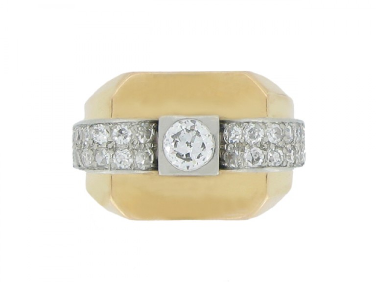 front view Boucheron Paris diamond cocktail ring, circa 1945.