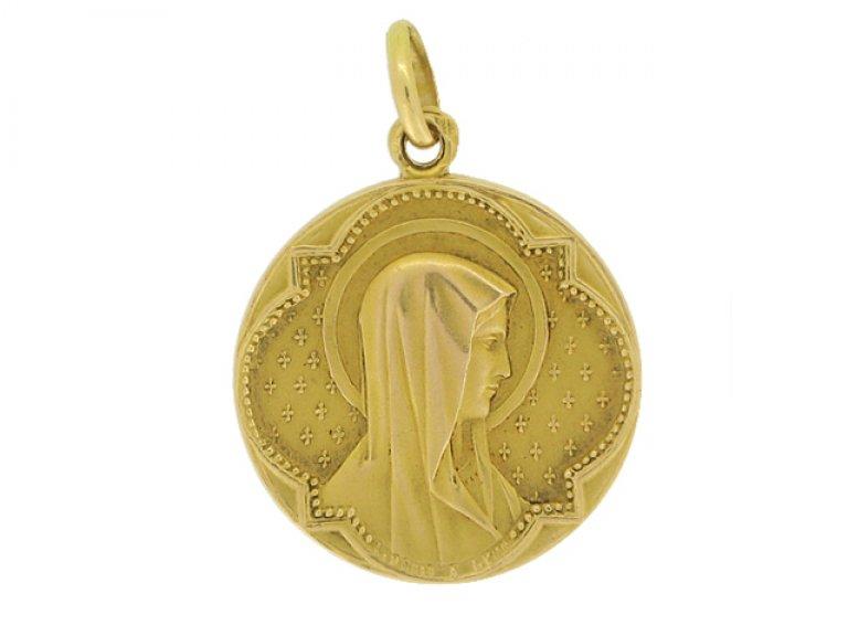 front view Gold pendant by L. Penin a Lyon, French, circa 1900.