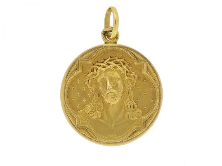 side view Gold pendant by L. Penin a Lyon, French, circa 1900.