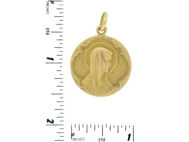 size view Gold pendant by L. Penin a Lyon, French, circa 1900.