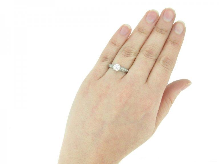 Solitaire diamond ring berganza hatton garden