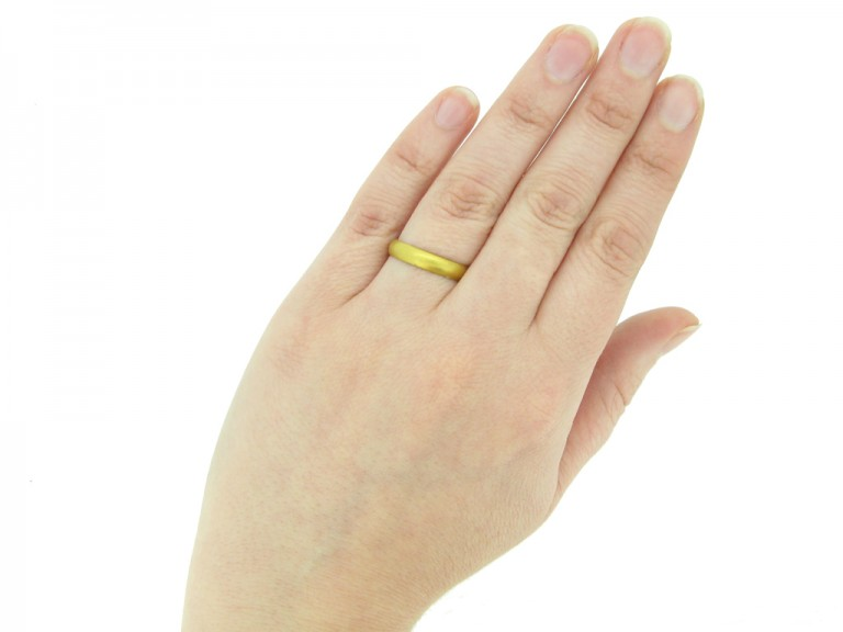 hand antique gold posy ring berganza hatton garden