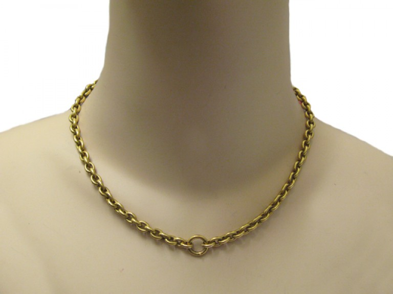 neck view Antique 15 carat yellow gold chain, circa 1890.