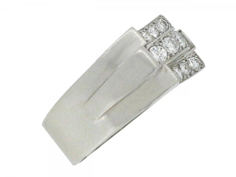 side view René Boivin Art Deco diamond cocktail ring designed by Juliette Moutard, circa 1934.