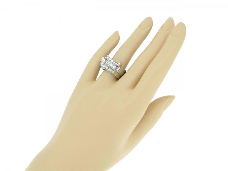hand view René Boivin Art Deco diamond cocktail ring designed by Juliette Moutard, circa 1934.