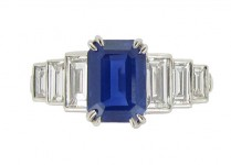 front view Kashmir sapphire and diamond ring, circa 1935.