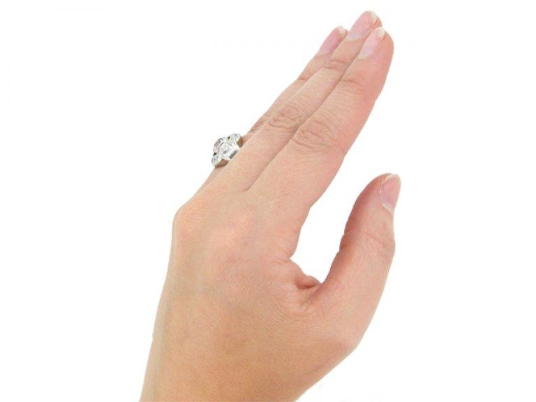 hand view Art Deco diamond cluster ring