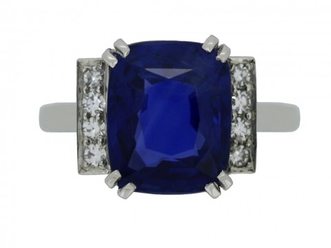 front view Art Deco natural sapphire ring with diamond set shoulders
