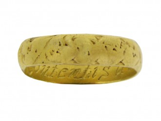 front view Gold posy ring, 'Content is a continuall tresure',