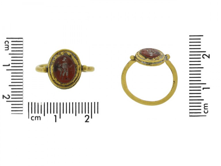 size view Roman gold intaglio ring with standing figure, 2nd   3rd century AD.