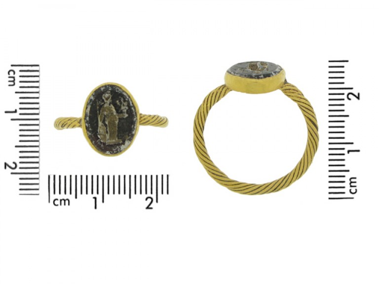 size view Roman gold ring with minerva intaglio, circa 2nd   3rd century AD.