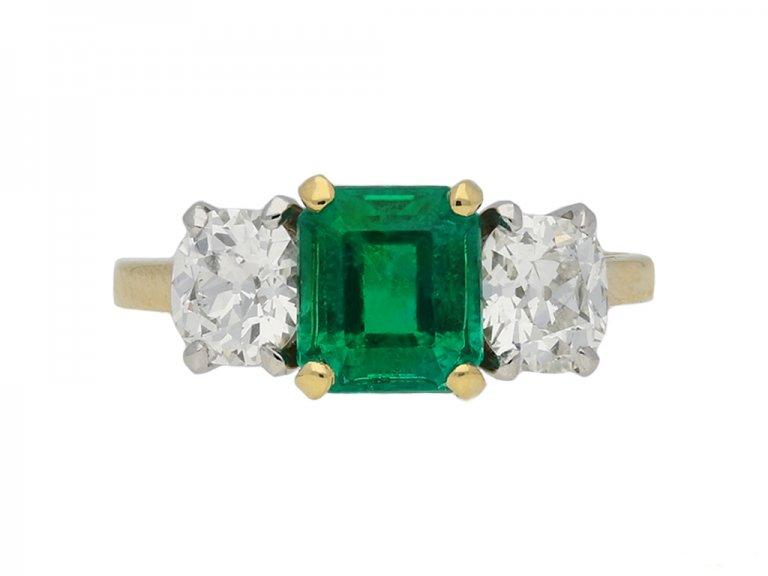 Three stone emerald and diamond ring berganza hatton garden
