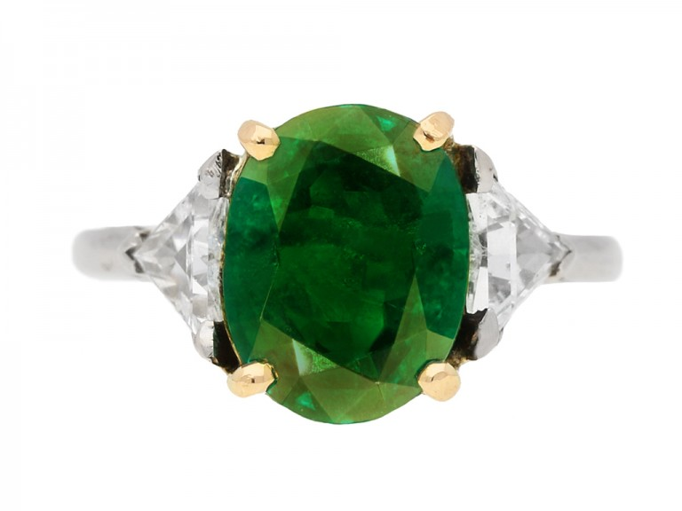 front view Antique Colombian emerald ring berganza hatton garden