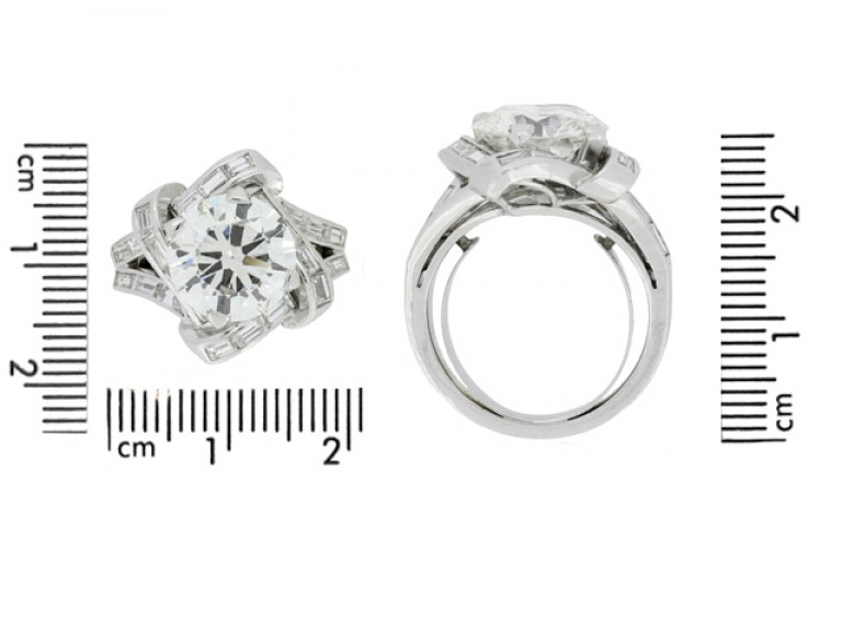 size view Mauboussin diamond cluster ring, French,