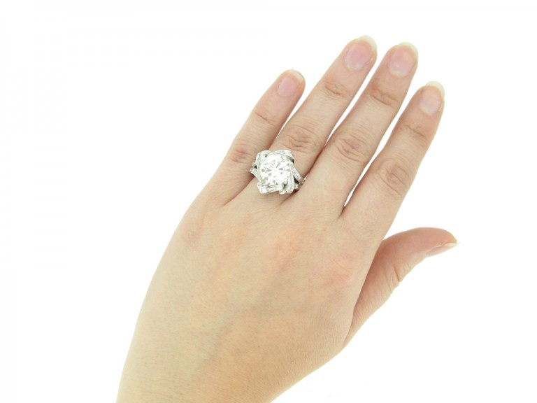 hand view Mauboussin diamond cluster ring, French,