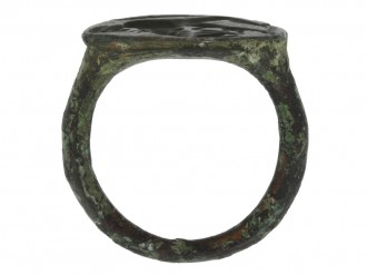 back view Ancient bronze ring with Hercules fighting lion,