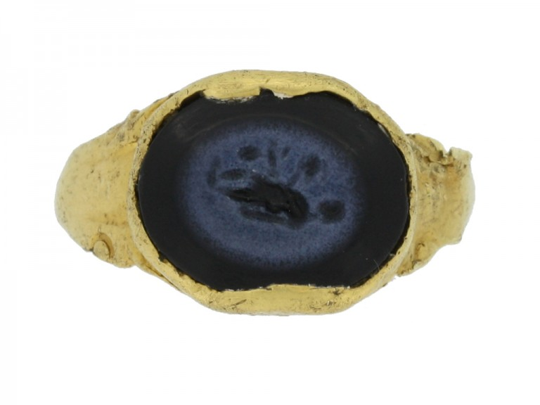 front view Ancient Roman intaglio ring with goddess