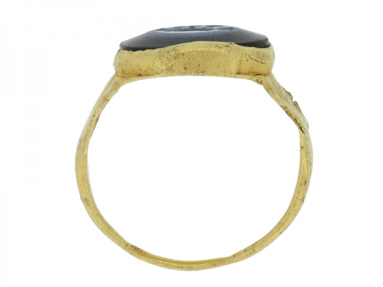 back view Ancient Roman intaglio ring with goddess