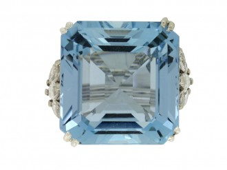 front view Aquamarine and diamond cocktail ring