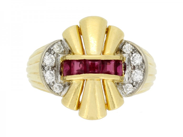 front veiw Ruby and diamond cocktail ring