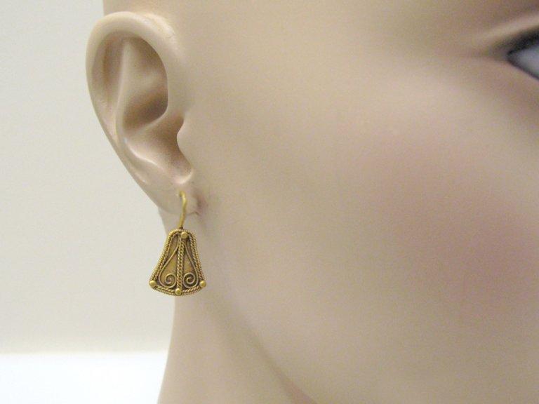 Ancient greek gold earrings berganza hatton garden