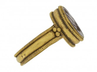 front view Ancient Roman gold ring with intaglio of Neptune