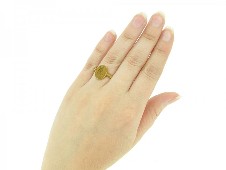 back view Ancient Roman gold ring with intaglio of Mercury