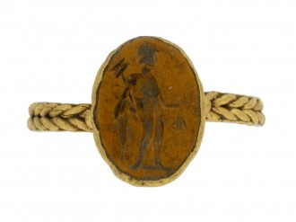 front view Ancient Roman gold ring with intaglio of Mercury