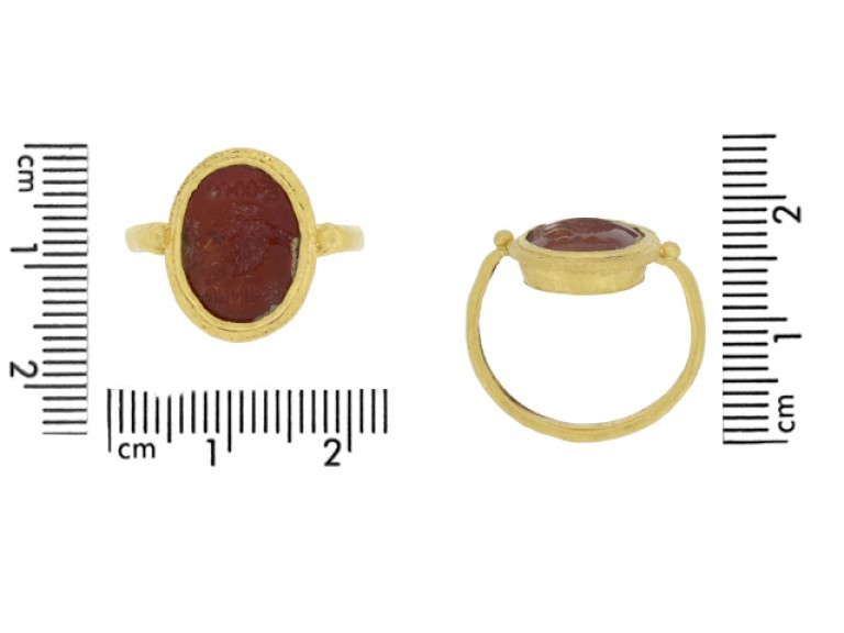 size view Ancient Roman gold ring with intaglio of imperial eagle and standards