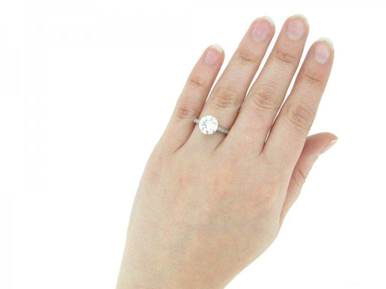 hand view Antique engagement diamond ring berganza hatton garden