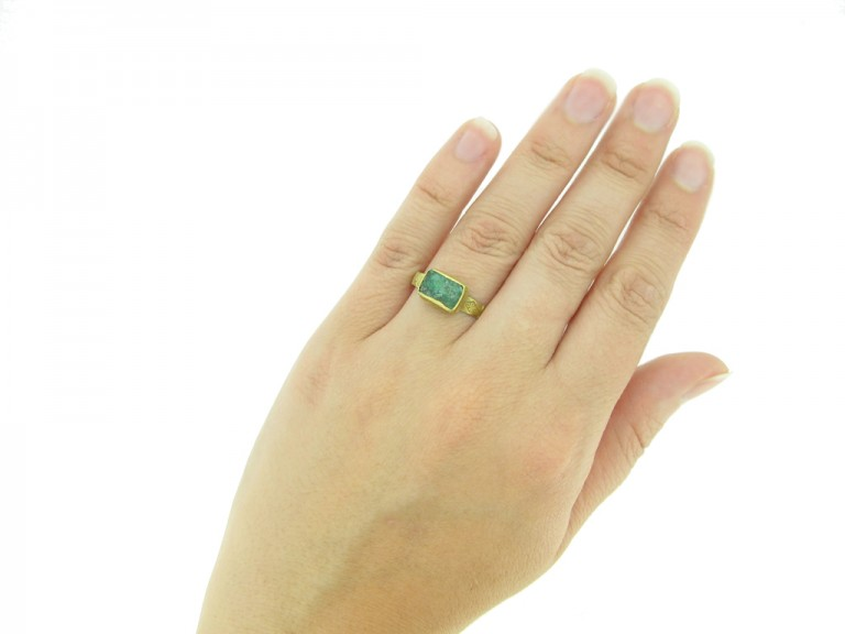hand view medieval green glass ring hatton garden berganza
