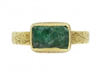 front view medieval green glass ring hatton garden berganza