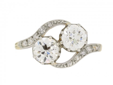 front view Antique diamond cross over ring