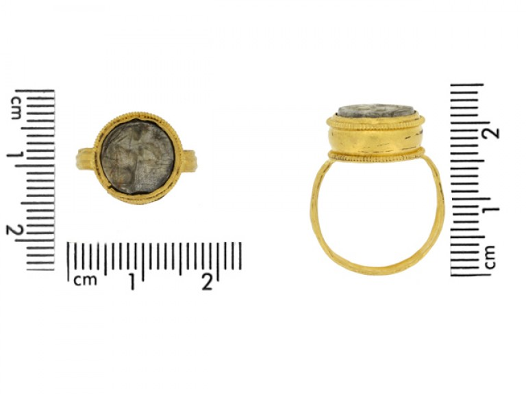 size view Ancient Roman gold ring with intaglio circa 1st 2nd century AD.