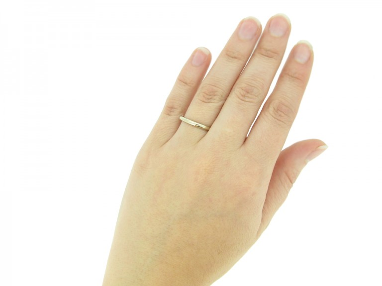 Wedding ring in white gold, French
