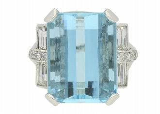 front view Vintage aquamarine and diamond ring