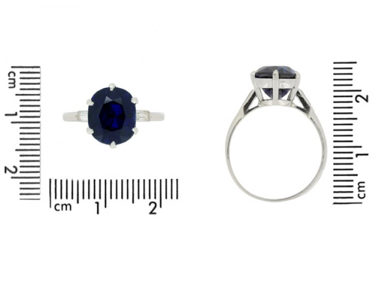 size view Boucheron Paris solitaire Burmese sapphire and diamond ring