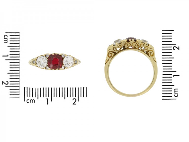 size view Antique spinel and diamond three stone ring