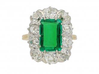 front view Chaumet emerald diamond ring berganza hatton garden